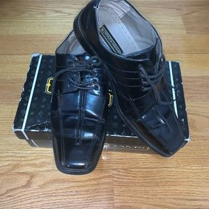 Stacy Adams shoes 👞 for boys size 7 black